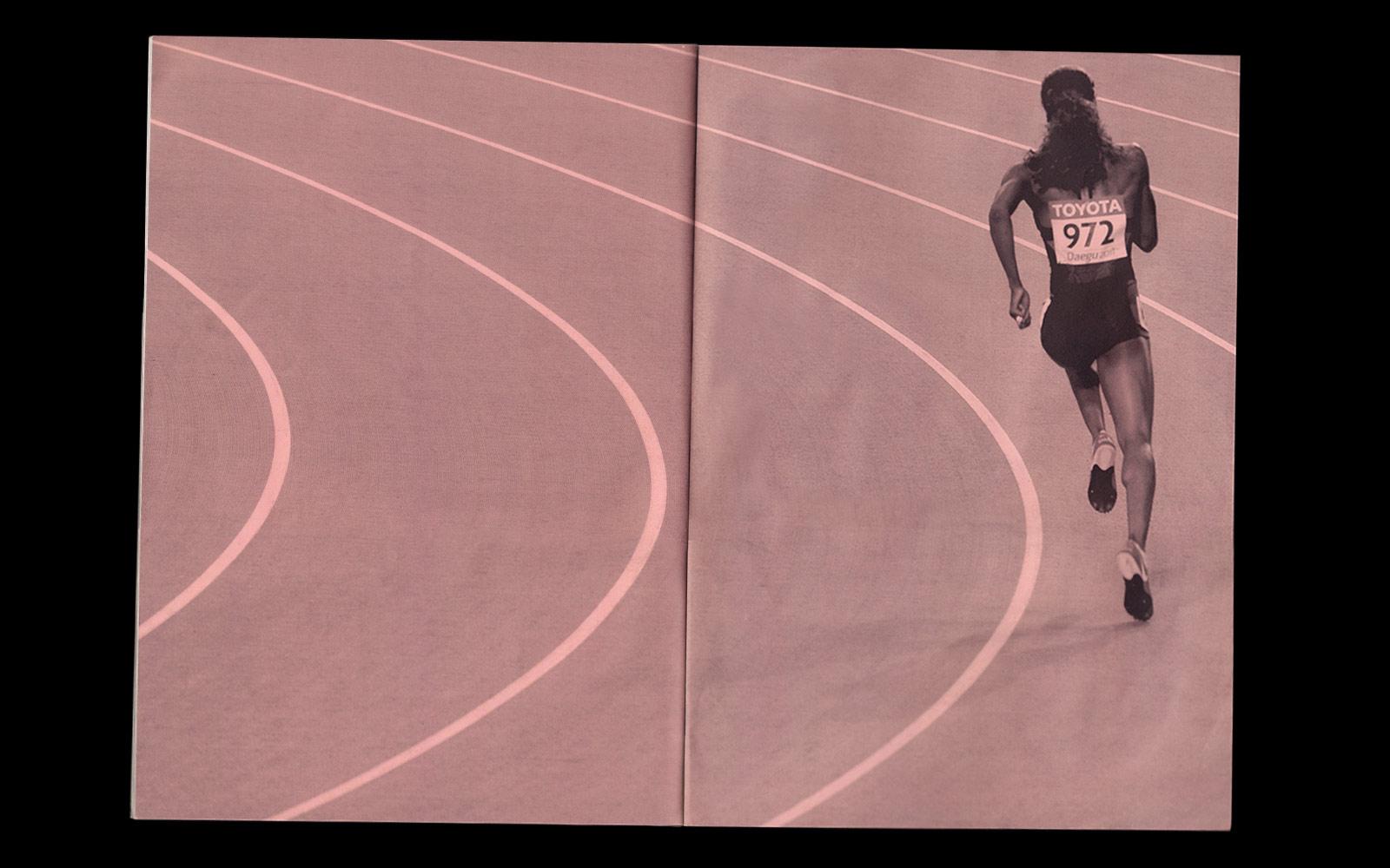 Nike_Runningbook_running_tilt